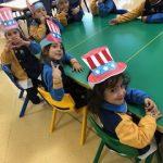 Alumnos de Infantil esperando su menú espcial