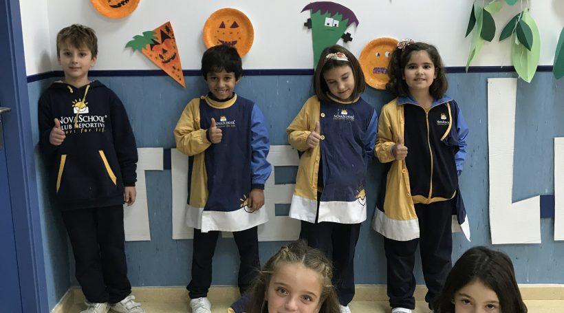 alumnos de primaria disfrazados en Halloween 2019
