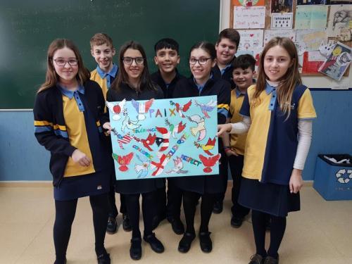 Alumnos crean un mural